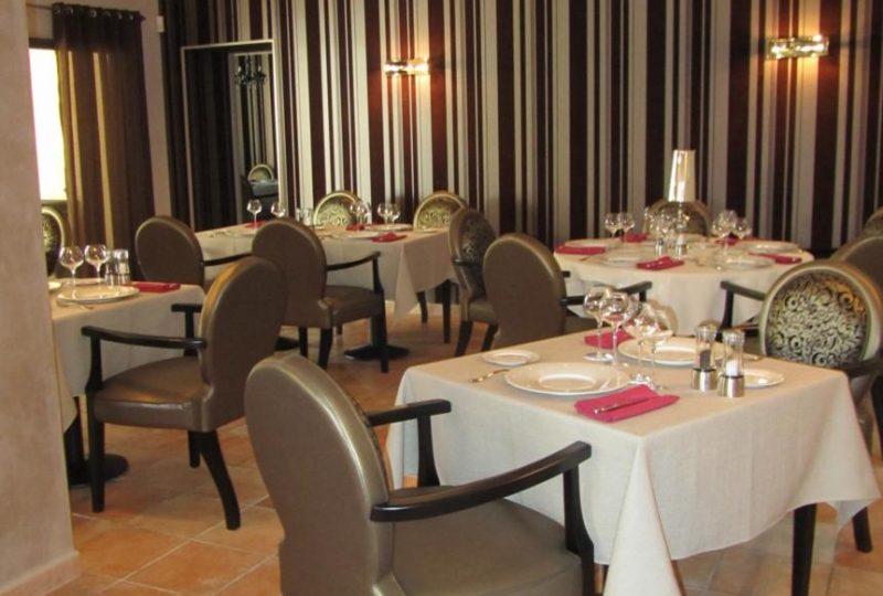 Restaurant le Domaine des oliviers à Pierrelatte - 1
