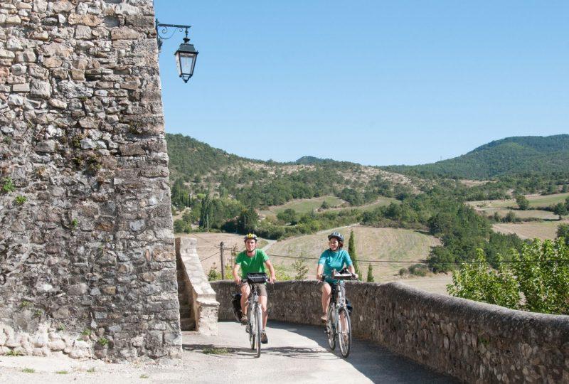 A vélo, en liberté, au pied du Mont Ventoux à Mollans-sur-Ouvèze - 1