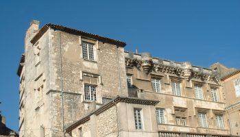 palais-des-eveques-bourg-saint-andeol