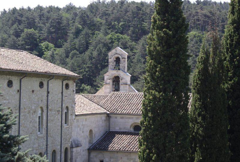 Autour de l'Abbaye d'Aiguebelle à Réauville - 0