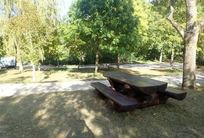 Aire de camping-cars à Bouvières - 1